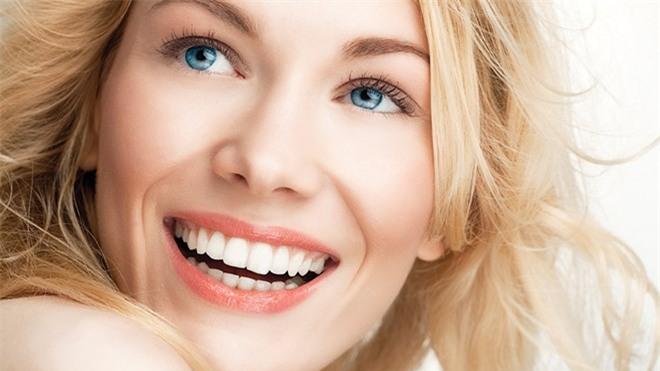 Niềng răng và bọc răng sứ: nên chọn phương pháp nào?