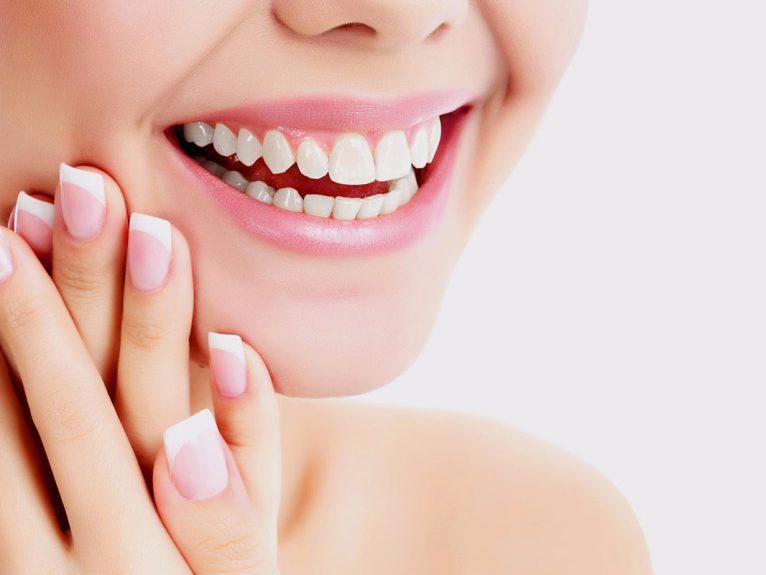 """Các tiêu chí """"vàng"""" để lựa chọn răng sứ bền đẹp, an toàn"""