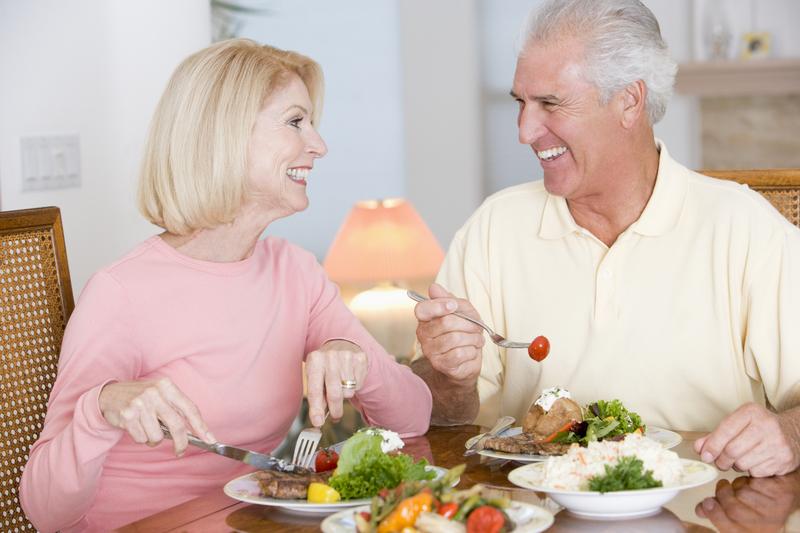 Cấy ghép implant - phương pháp làm răng giả tốt nhất cho người già