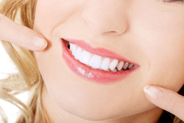 Điểm danh những món ăn cần kiêng sau khi tẩy trắng răng