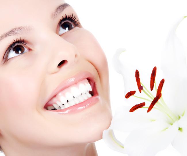 Răng sứ ngọc trai - cho hàm răng trắng sáng, đều đẹp như hoa hậu
