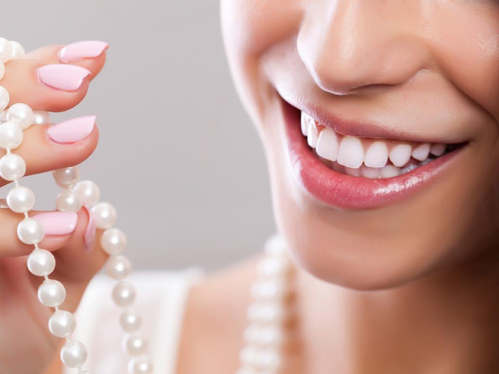 5 ưu điểm nổi bật của răng sứ không kim loại