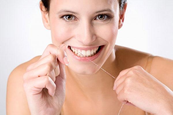 4 nguyên tắc cần tuân thủ khi đeo hàm duy trì sau niềng răng